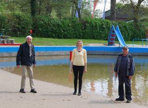 Foto: Vorsitzender Claus Ludat, Vorsitzender Ewald Pump, SPD-Bürgerschaftsabgeordnete Kirsten Martens